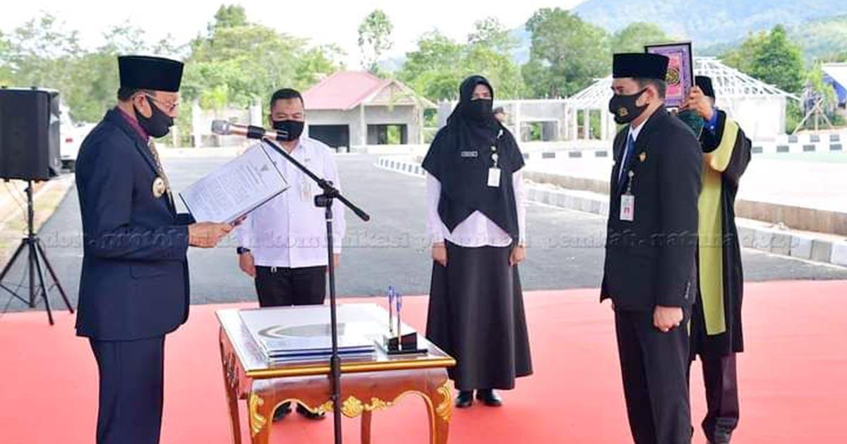 Hamid Rizal Lantik Hendra Kusuma Sebagai Penjabat Sekda Kabupaten Natuna 2
