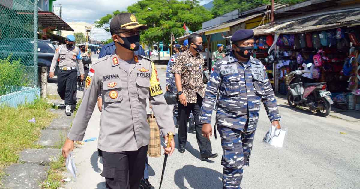Polres Natuna Bersama Jajaran TNI dan Instansi Terkait Bagikan 1000 Masker 1