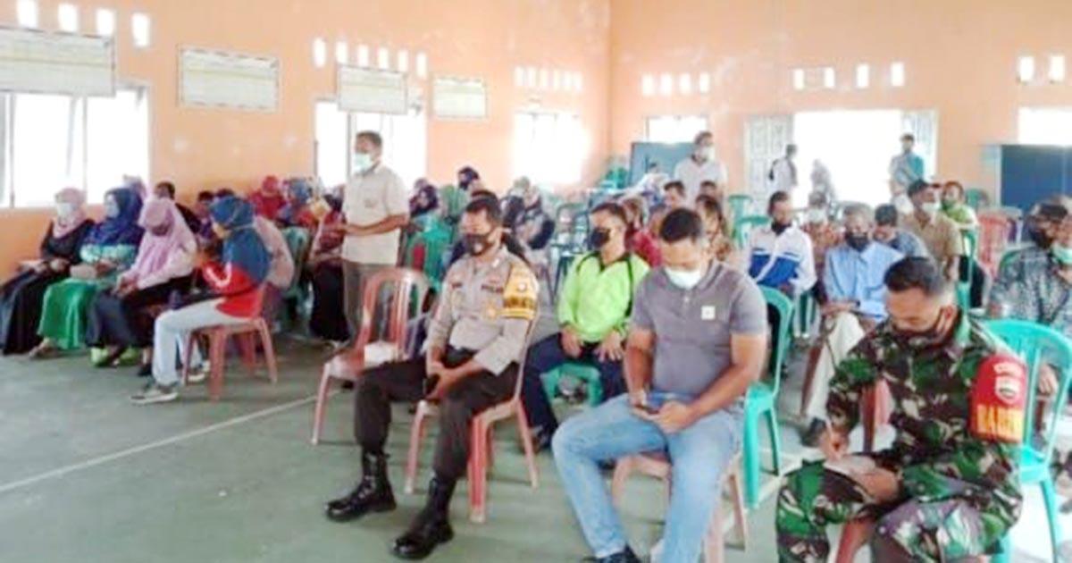 Warga Desa Cemaga Utara, Kecamatan Bunguran Selatan, mengikuti Reses Anggota DPRD Natuna dari Partai Golkar, Eri Marka