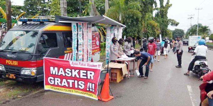 Polres Tanjung Pinang Buka Gerai Masker Gratis Bagi Masyarakat 20