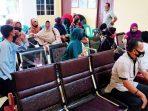 Lurah Air Raja Serahkan Bantuan Sembako Kepada Guru TPQ 7