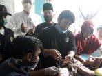 Ketua DPW LMB Provinsi Kepri, Datok Panglima Azman Zainal SH, ikut menyaksikan kegiatan Khitanan Gratis Laskar Melayu Bersatu (LMB) Provinsi Kepulauan Riau di Desa Parit 1, Kecamatan Karimun
