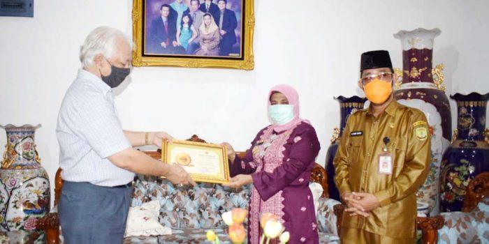 Selamatkan Arsip Daerah, Mantan Wawako dan Sekdako Tanjung Pinang Terima Penghargaan 22