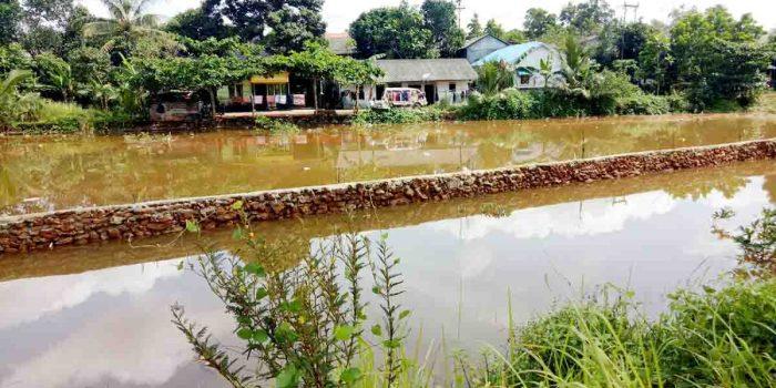 Diduga Lakukan Pelanggaran, Komisi 3 DPRD Tanjungpinang Sidak Batu Miring di Badan Sungai 33