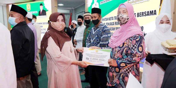Imam Masjid dan Guru TPQ Terima Insentif Dari Pemko Tanjung Pinang 21