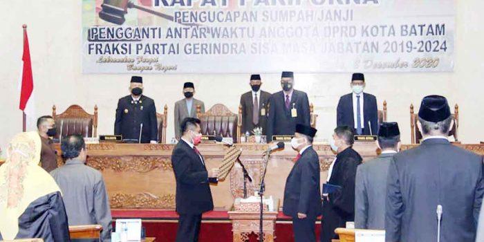 Capt Luther Jansen Resmi Jadi Anggota DPRD Batam, Gantikan Iman Sutiawan 20