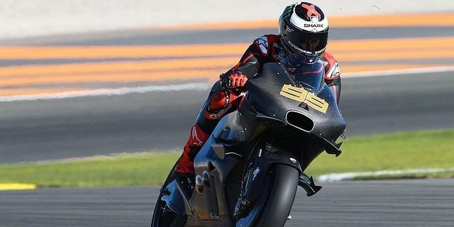 """""""DUKUNGAN PENUH"""" Ducati untuk Lorenzo di MotoGP 2017"""