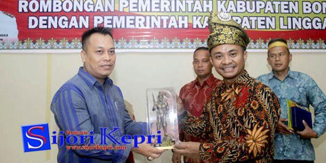 "Rombongan Pemkab Bone ""KUNJUNGI LINGGA"""
