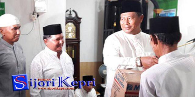 """Abdul Haris Beri Bantuan """"KIPAS ANGIN"""""""