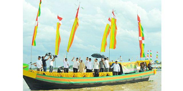"""25 POMPONG HIAS"" Ramaikan Event Festival Sungai Indragiri"