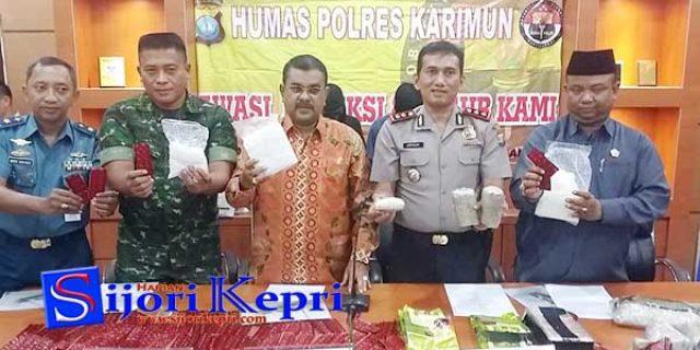 """4 Warga Sawang, Kecamatan Kundur Barat """"DIBEKUK SATNARKOBA POLRES KARIMUN"""""""