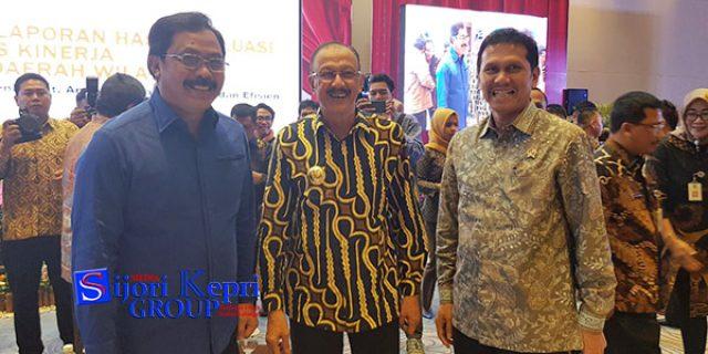 """Hamid Rizal Terima Penghargaan """"KENAIKAN PERINGKAT LAPORAN AKUNTABILITAS KINERJA"""" dari Menpan RB"""