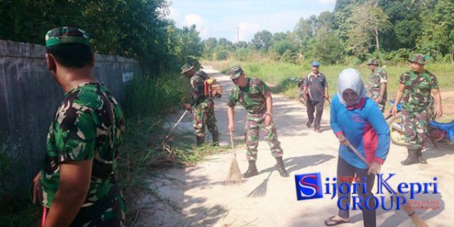 "Koramil 02 Bintan Timur Gelar Aksi Jumat Bersih ""BERSAMA MASYARAKAT"""