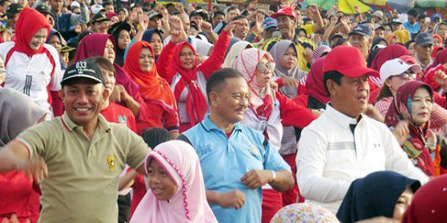 Danrem 033/WP dan Plt Gubernur Kepri Turut Meriahkan Fun Bike dan Senam Sehat Bersama
