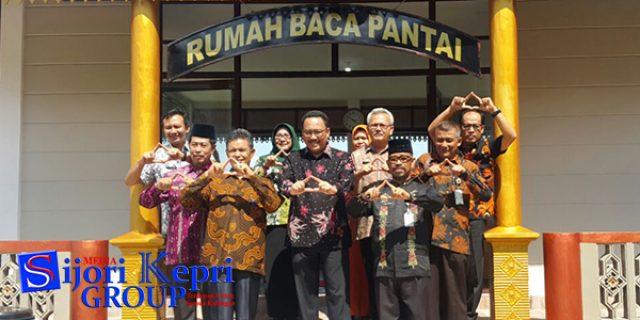 """Rumah Baca Pantai Satu-Satunya """"INOVASI di INDONESIA"""""""