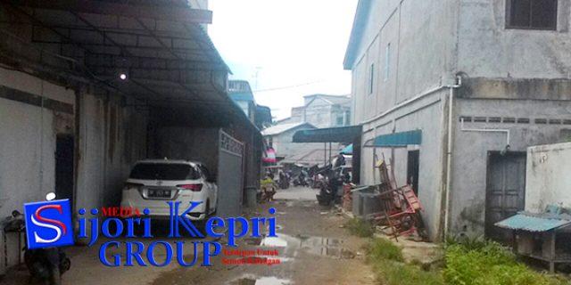 """Tanah Untuk Jalan, Sama Pemilik Toko """"DIBANGUN GUDANG"""""""