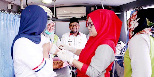 "Lis Darmansyah Canangkan Kampung KB ""di 4 KELURAHAN"""
