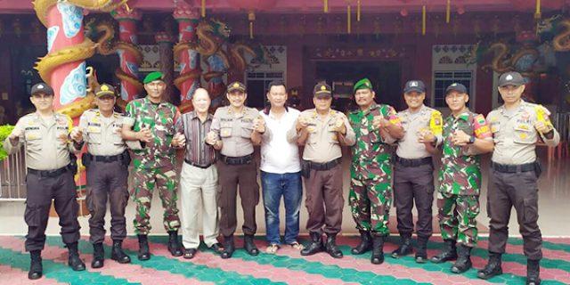 TNI – POLRI Gelar Bakti Sosial di Vihara Bhakti Sasana Kijang Kota