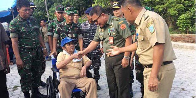 """Satgas Kesehatan TNI Berhasil Mengobati 1.576 """"MASYARAKAT TAREMPA dan JEMAJA"""""""