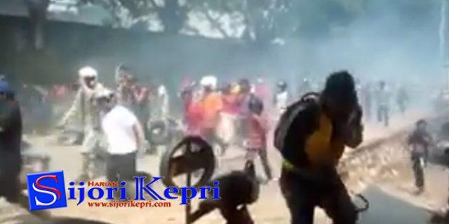 "[VIDEO] Kerusuhan di Kampung Harapan ""BENGKONG SADAI, KOTA BATAM"""