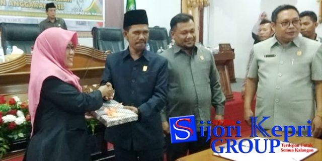 "Fraksi Setujui ""6 RANPERDA"" Kabupaten Natuna"