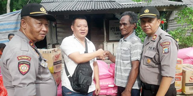 Polsek KKP, Polsek Tebing, Koko Singapore dan Media Beri Bantuan Sembako