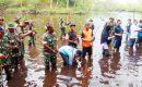Pasiintel Kodim 0318/Natuna Ikut Tanam Mangrove Bersama Kelompok Tani