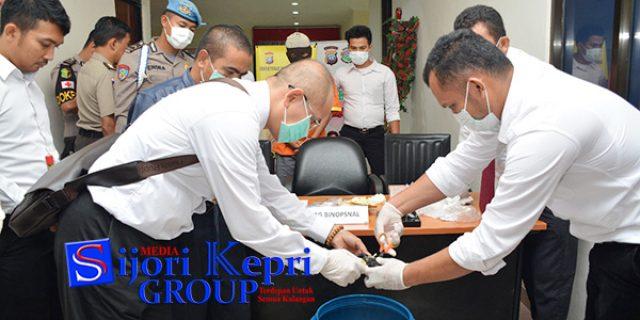 "Polda Kepri Musnahkan Sabu ""SEBERAT 892,44 GRAM"""