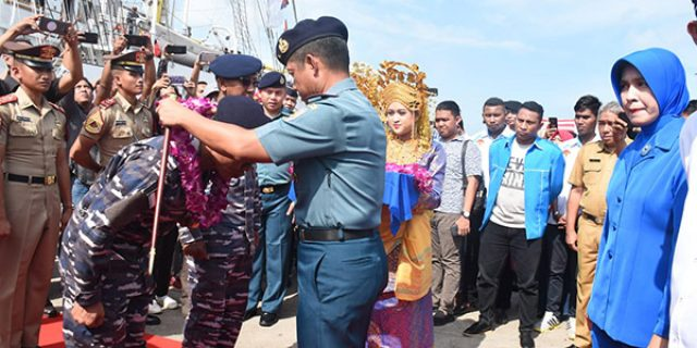 Danlantamal IV Pimpin Penyambutan Kedatangan Kapal Perang Bima Suci 945