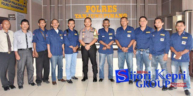 """PWI Pinang-Bintan """"SILATURAHMI"""" Ke Polres Tanjungpinang"""