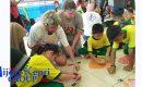 """Tujuh Negara Asing Ajari Anak-Anak Natuna """"BIKIN LAYANG-LAYANG"""""""