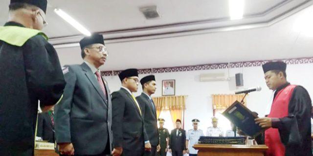 Pimpinan Definitif DPRD Natuna Dilantik dan Diambil Sumpah
