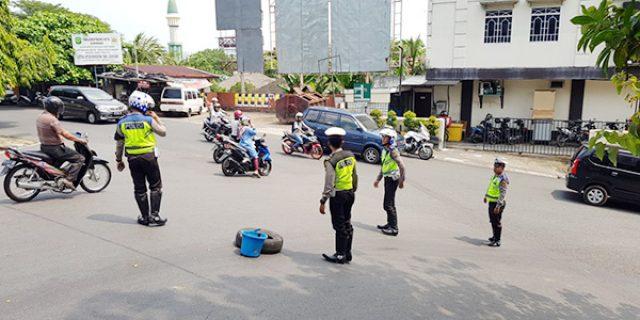 Polres Tanjungpinang Lakukan Sterilisasi Jalan