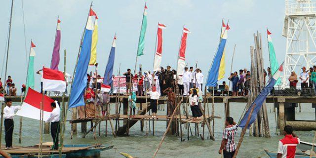 Polsek Tanjungpinang Kota Laksanakan Upacara di Atas Laut Senggarang