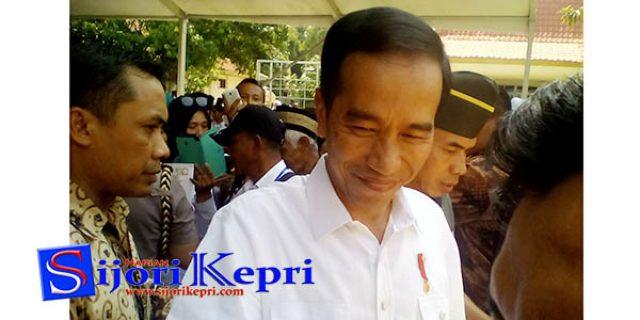 """Kata Sambutan Jokowi Membuat Heran """"WARGA GALANG, BATAM"""""""