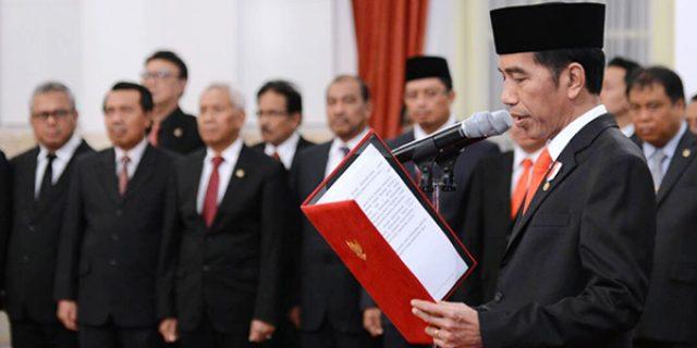 """Jokowi Lantik 9 Pengarah """"DAN KEPALA UKP PIP"""""""