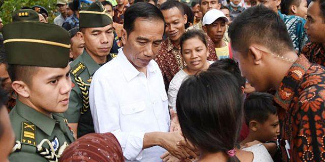 """Mudik, Jokowi Bagikan Paket Sembako """"DAN SAPA WARGA SOLO"""""""
