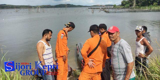 """Bapak dan Dua Anak """"TENGGELAM"""" di Dam Tambesi Batam"""