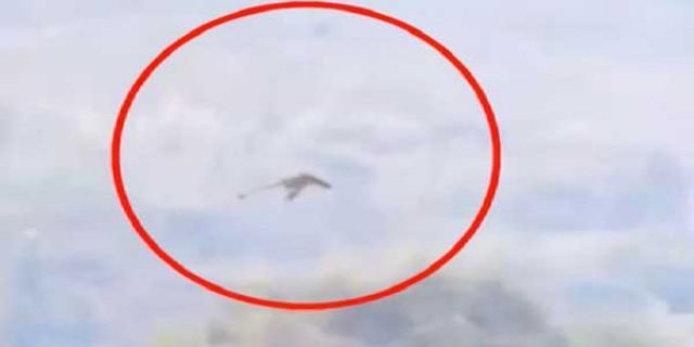 """[Video] Hebohkan Netizen, """"REKAMAN NAGA TERBANG"""" di Atas Pegunungan"""
