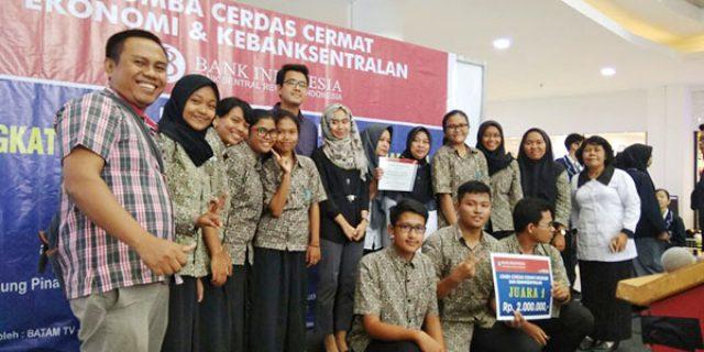 "SMAN 2 Tanjungpinang ""JUARA CERDAS CERMAT"""