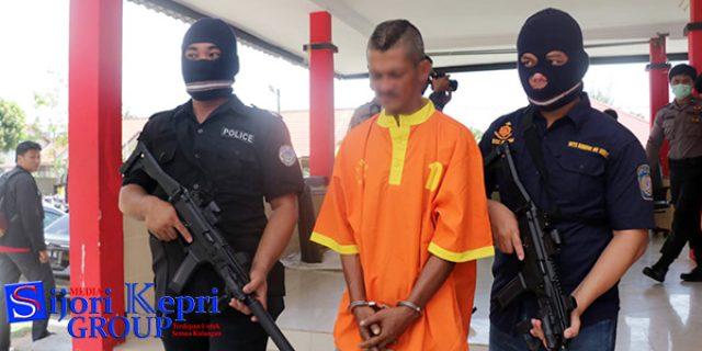 """Polda Kepri Ungkap """"ENAM TERSANGKA"""" Kasus Sabu dan Ganja"""