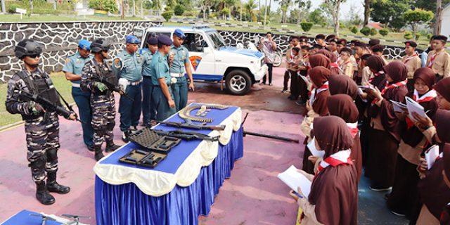 Siswa dan Guru SMPIT Insan Cendikia Kunjungi Lanal Dabo Singkep