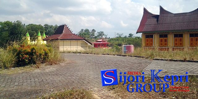 "Warga Kesal, Taman Budaya Milik Pemko Tanjungpinang ""TAK TERAWAT"""
