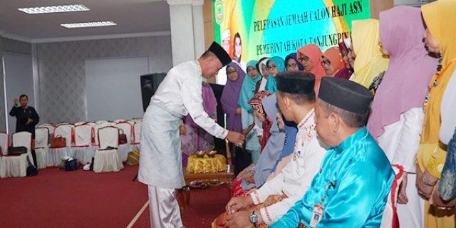 Syahrul Lepas 30 JCH ASN Pemko Tanjungpinang