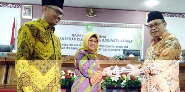 Rapat Paripurna, Ngesti Sampaikan 51 Ranperda Kabupaten Natuna