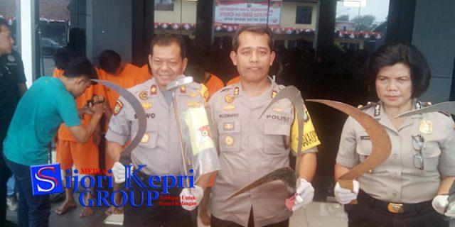 """Tawuran Berdarah """"ANTAR PELAJAR"""" di Bekasi, Satu Tewas di Tempat"""