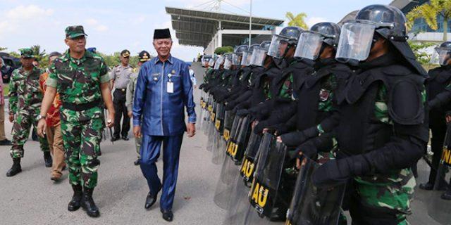 Syahrul Pantau Kesiapan Pasukan Lanud RHF Hadapi Pemilu 2019