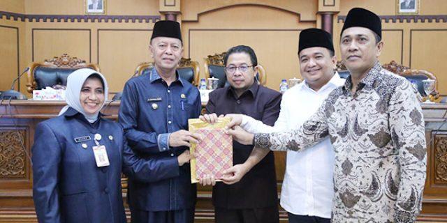 Walikota Sampaikan Jawaban Terhadap Pandangan Umum Fraksi
