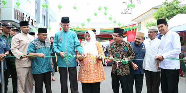 Syahrul Buka Bazar Ramadhan Karang Taruna Kelurahan Tanjungpinang Kota
