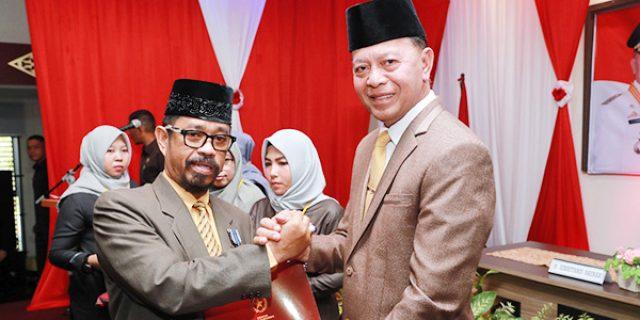 315 ASN Pemko Tanjungpinang Terima Anugrah Setyalancana Karya Satya